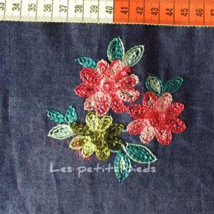 Jeans - Blumen Stickerei blau / bunt