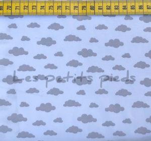 Baumwolle - Wolken weiss / hellgrau
