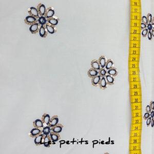 Voile - bestickt Pailetten Blume - weiss / blau